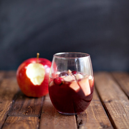 Abu's Temptation -- Apple Crisp Sangria {A Disney Inspired Cocktail}